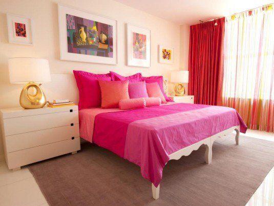 как оформить пространство над кроватью