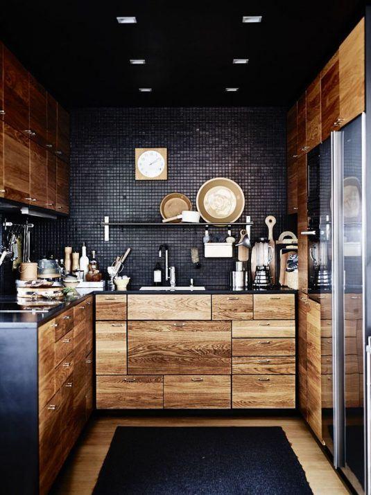 черная мозаика кухне фото