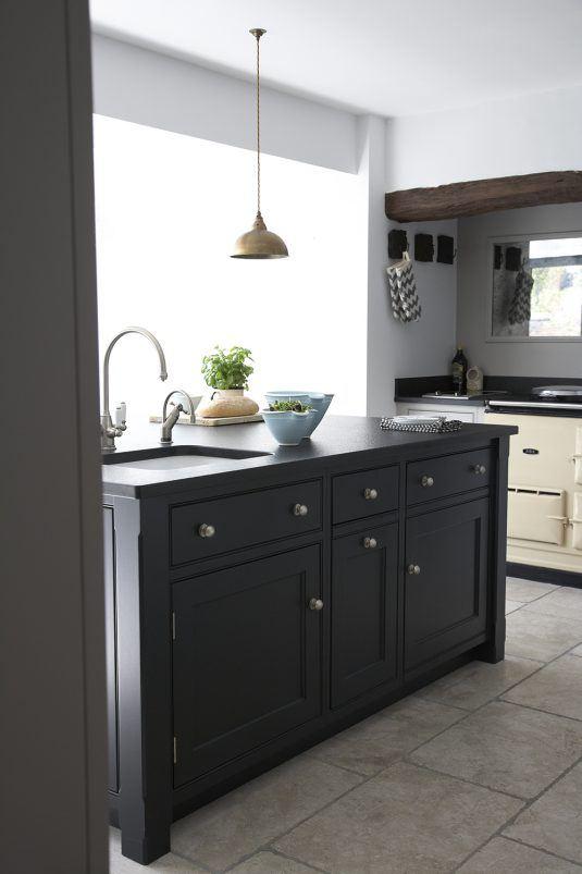 фасады кухни из черного дерева