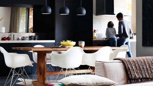 черная кухня стиле лофт