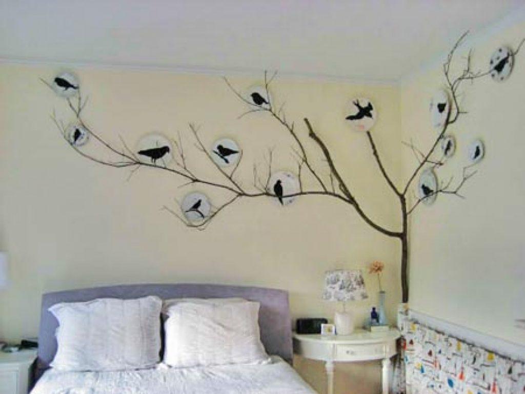 малюнки на стіні в спальні фото
