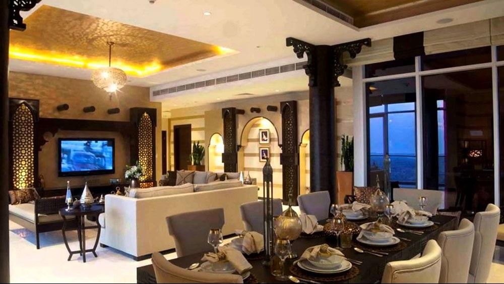 интерьер гостинной в марокканском стиле фотографии