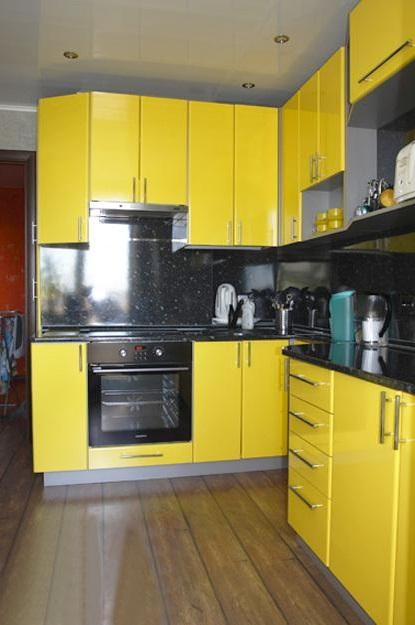 дизайн кухні в жовтому кольорі