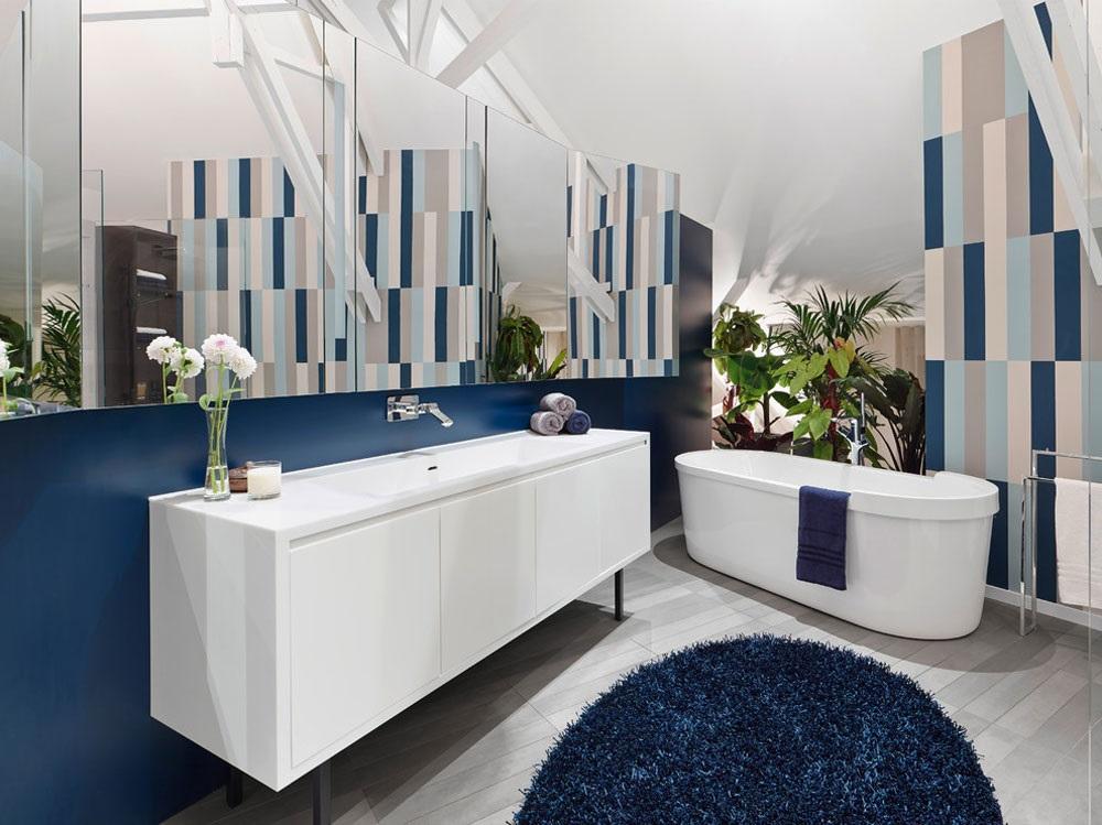 біло-синя ванна кімната фото