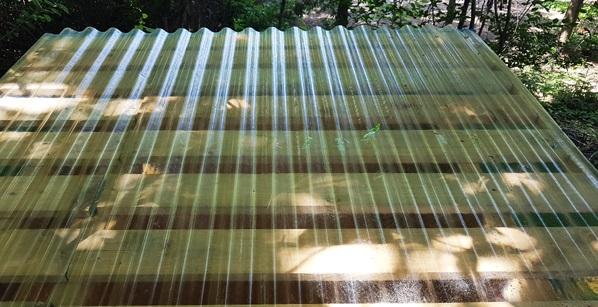 полікарбонатний лист на дах туалету