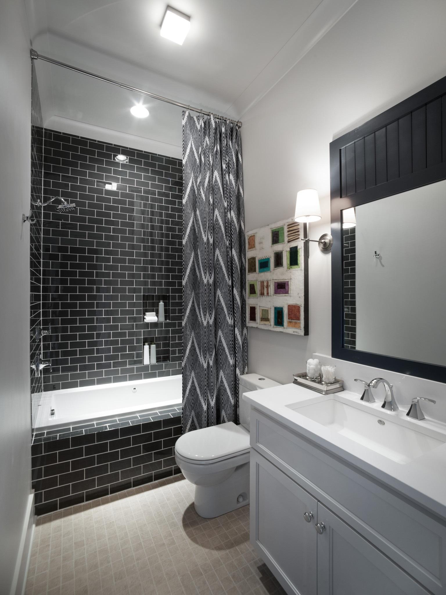 чорно біла плитка у ванній фото