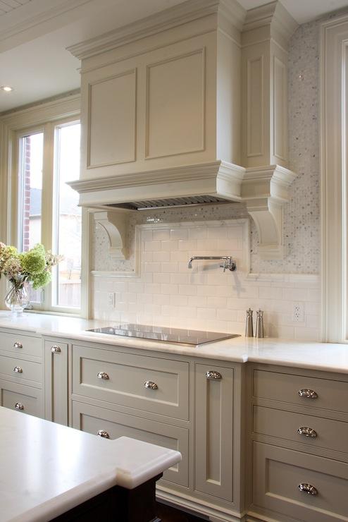 Кухні сірого кольору