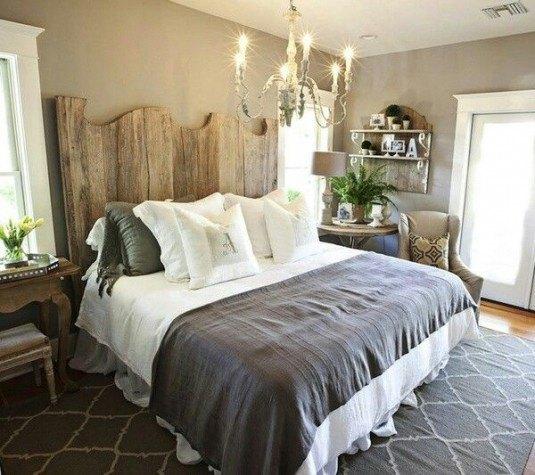 красиве ліжко в спальню