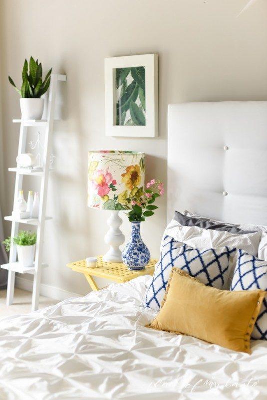 Спальня в білому кольорі