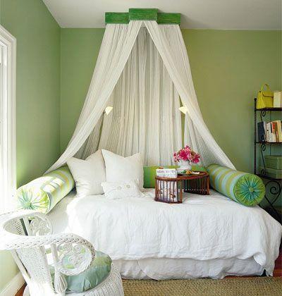 балдахін над ліжком