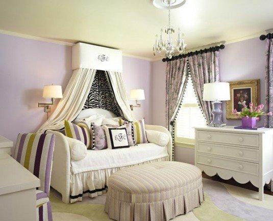 Ліжко для принцеси з балдахіном