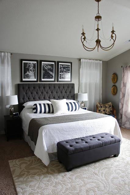 Картини над ліжком