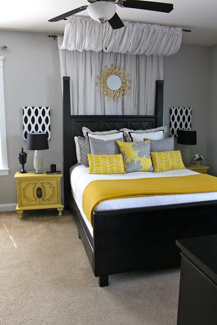 Ліжка з балдахіном