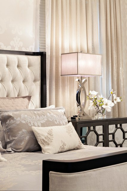 штори для спальні в класичному стилі фото