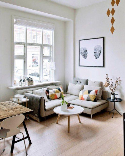 диван з тонкими боковинами