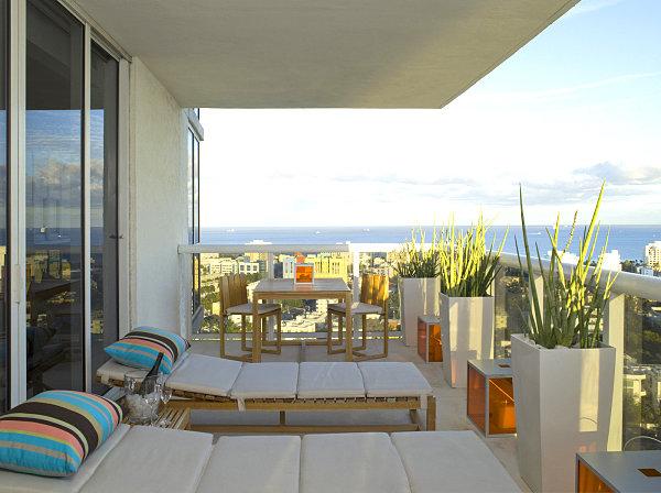 сад відкритому балконі