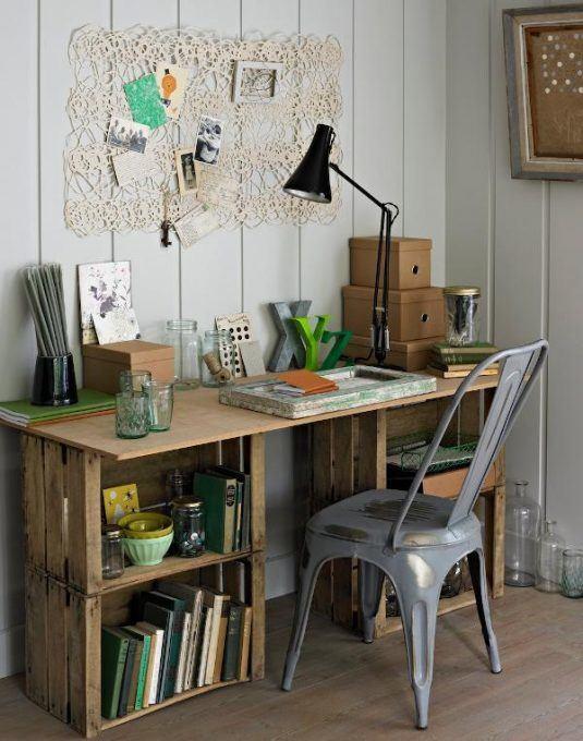 стіл з ящиків