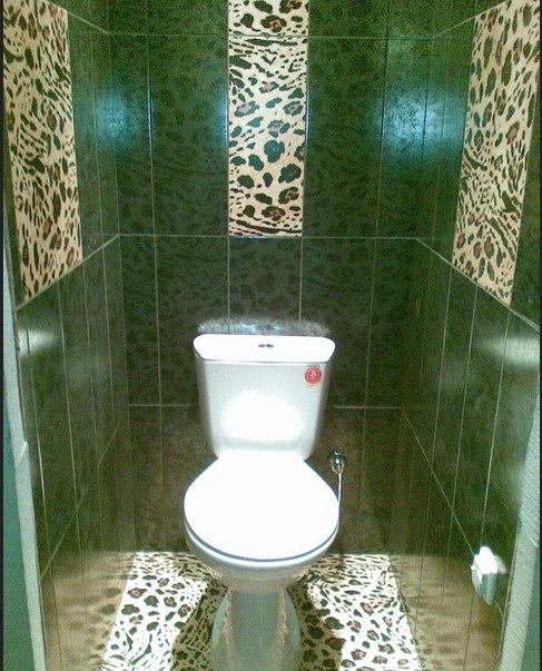 Туалет, викладений керамічною плиткою