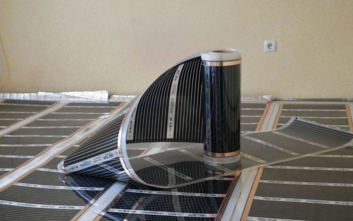 укладання інфрачервоної теплої підлоги