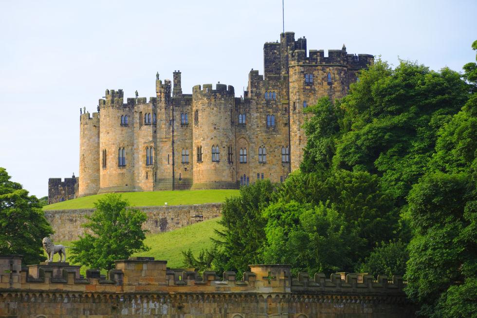 замок Алнік фото