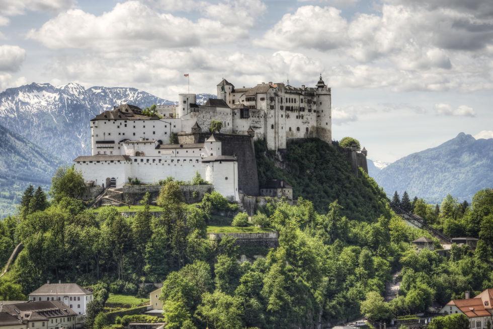 Замок Хоензальцбург фото