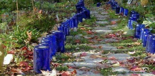 декор з скляних пляшок