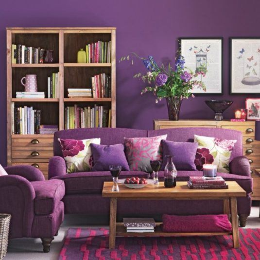 інтер'єр кімнати у фіолетовому кольорі фото