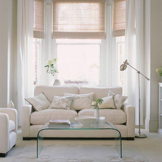 інтер'єр кімнати в білому кольорі фото