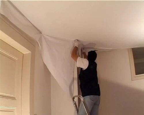 Самостійний ремонт пошкодженої натяжної стелі