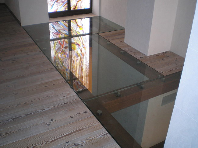 підлога зі скла фото