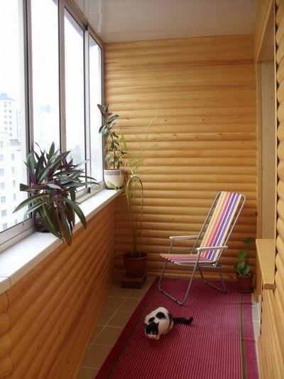 оздоблення балкона боком-хаус
