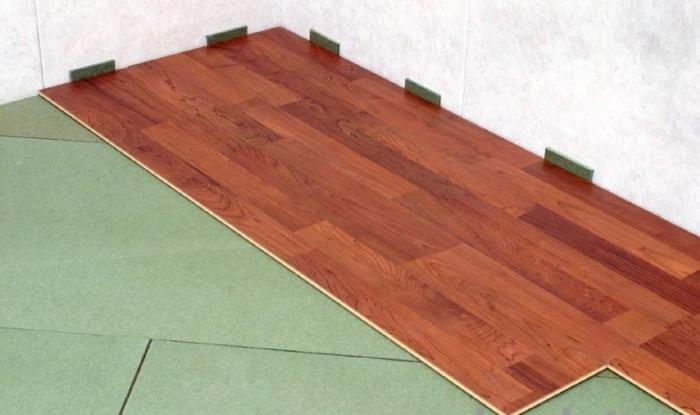 монтаж плаваючої підлоги
