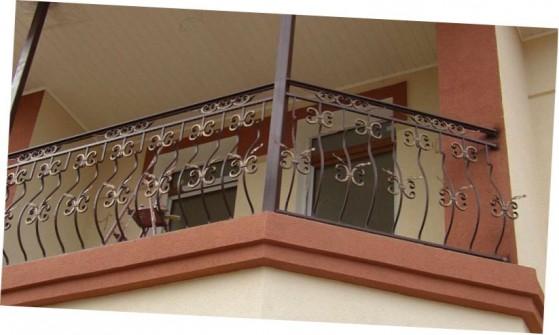 ковані перила на балкон фото