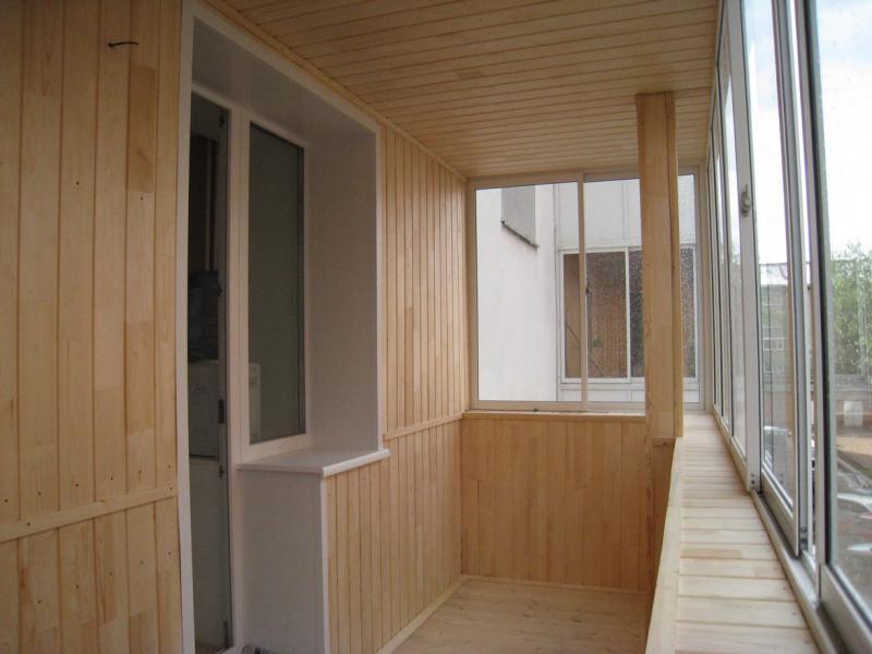 Панелі ПВХ на балконі