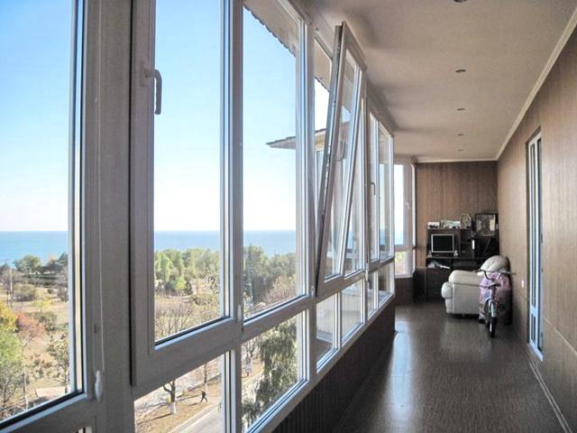 панорамне скління балкона своїми руками