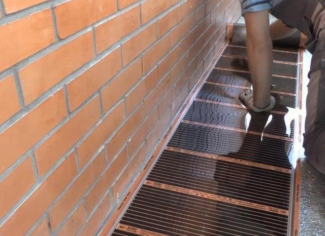 монтаж інфрачервоної підлоги на балконі