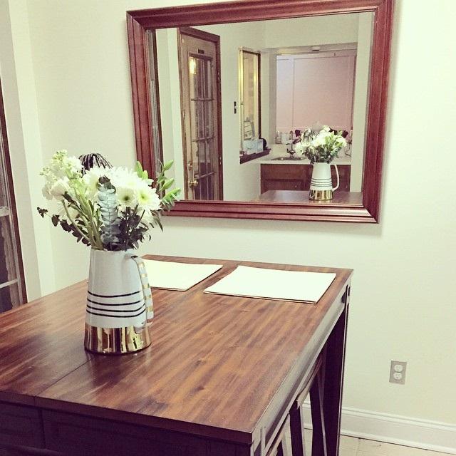 дерев'яні столи на кухні фото