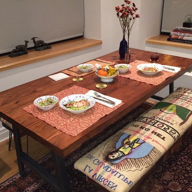 дерев'яні столи на кухню фото