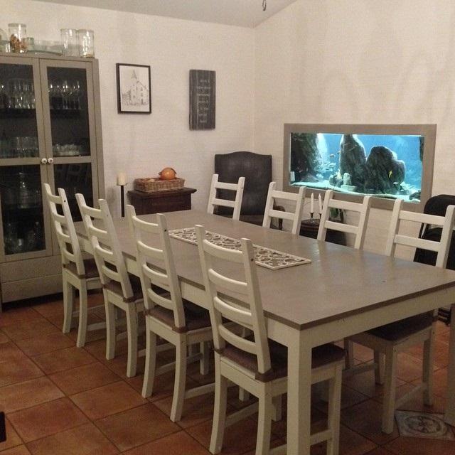 великий стіл для кухні фото