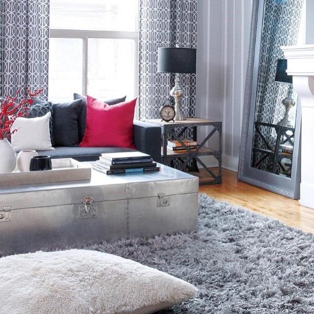 килим в інтер'єрі вітальні фото