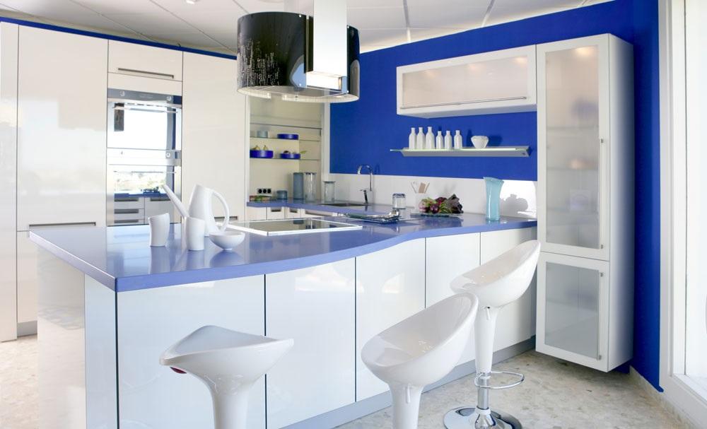 интерьер кухни в морском стиле фото
