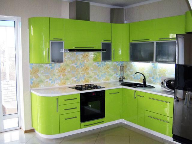 угловая кухня цвета лайм фото
