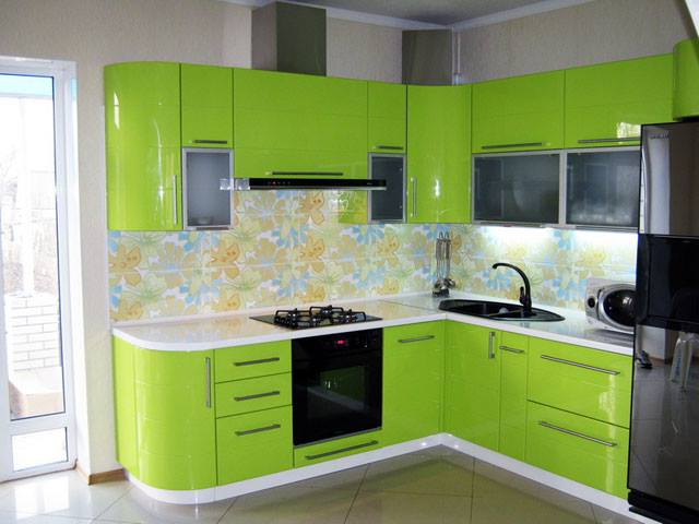 кутова кухня кольору лайм фото