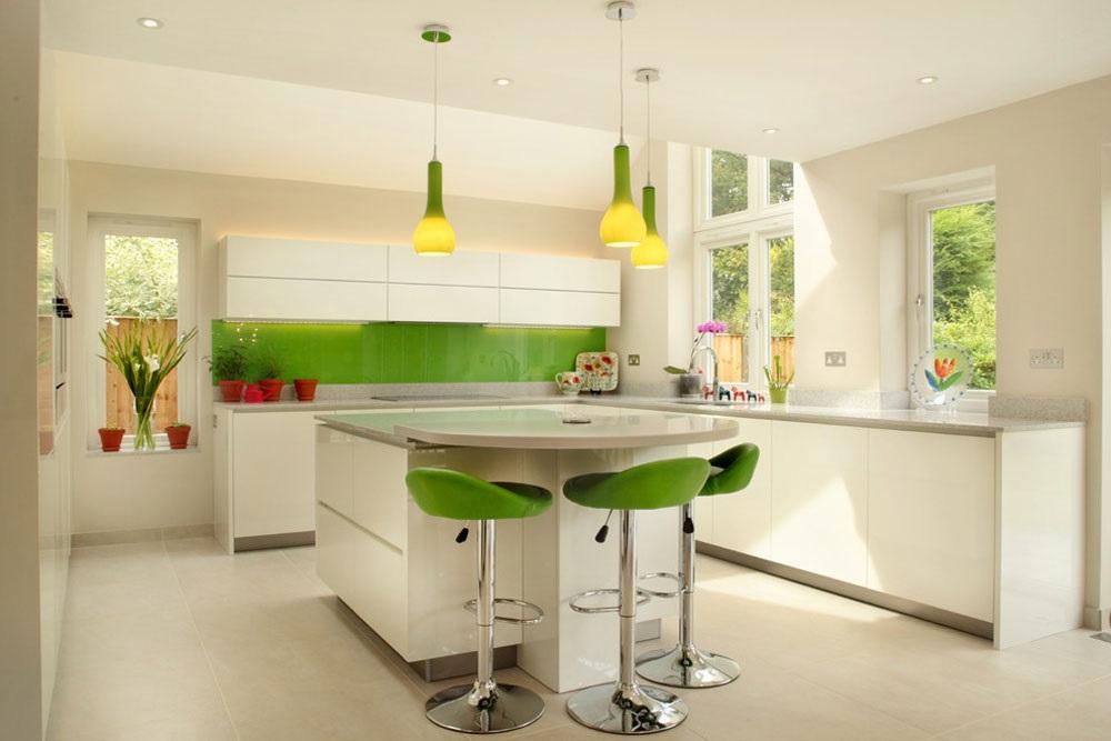 зеленая кухня с островом