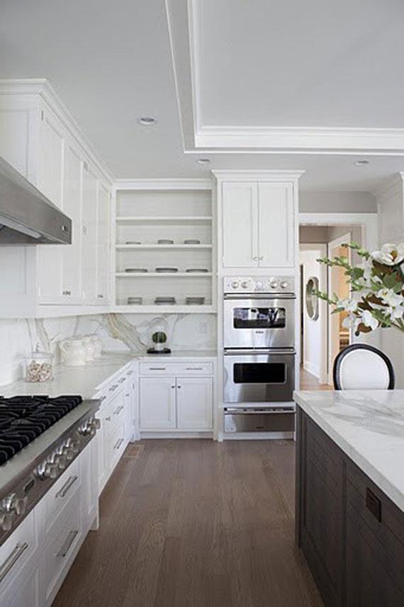 белая кухня темный стол
